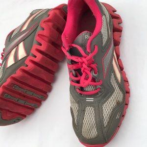 Men s Reebok Shoes Zig on Poshmark 9a17003be